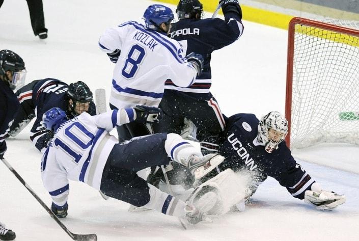 Клюшкой в лёд: как ставить на хоккей