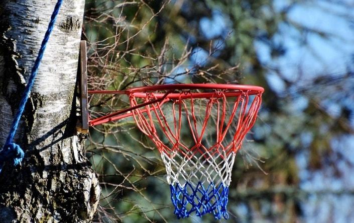 Как делать ставки на тотал в баскетболе?
