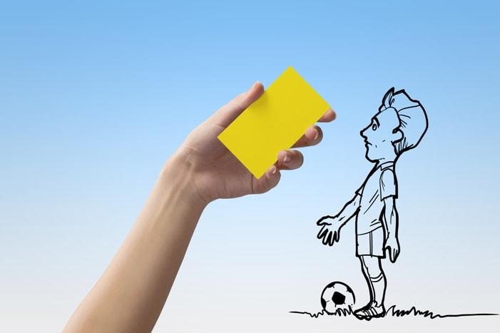 Футбольная стратегия ставок, основанная на желтых карточках