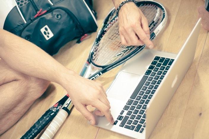 Стратегия игры на теннис: играем по фавориту