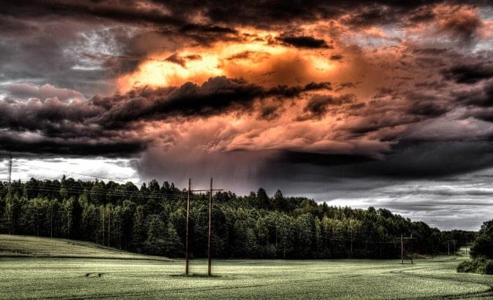 Фактор поля и погоды в ставках