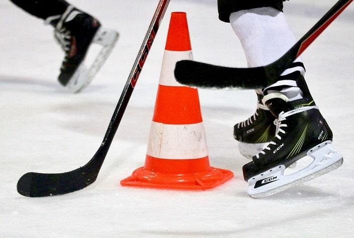 Как делать ставки на ТБ в хоккее?