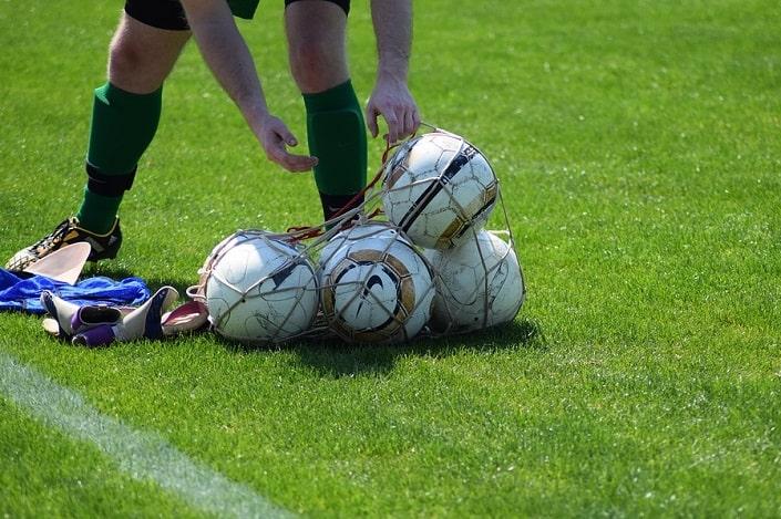 Футбольные ставки фаворит