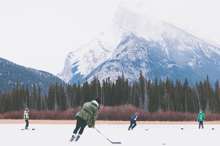 Стратегия ставок на дальние коэффициенты в хоккее