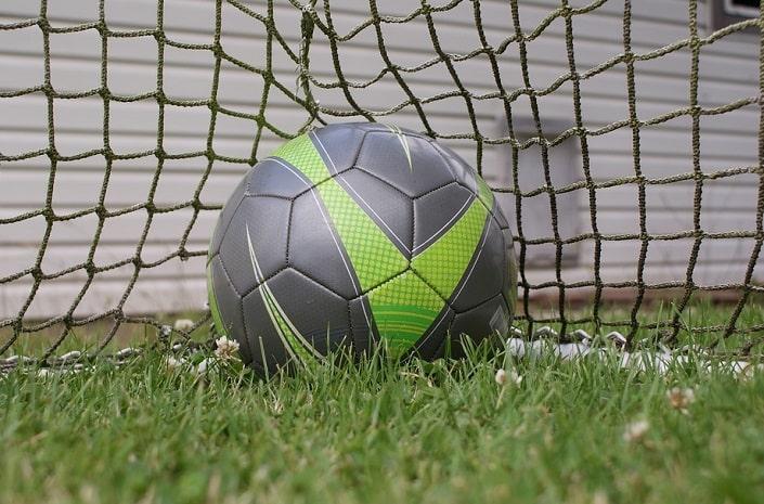 Как подобрать БК для ставок на футбол?