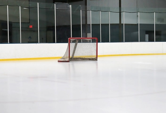 Как делать ставки на фаворита в хоккее?
