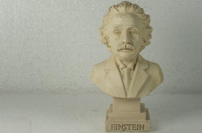 Правила Эйнштейна – помогут ли они в ставках?