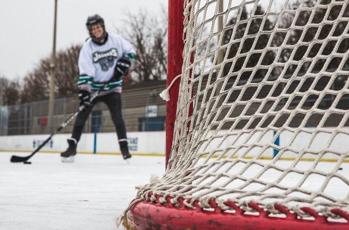 Как делать ставки на статистику игроков в хоккее?