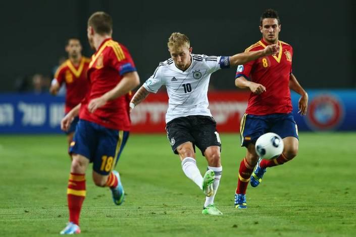 Германия - Испания. Кто окажется сильнее в битве титанов мирового футбола?